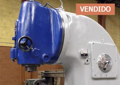 #0692 – Fresadora vertical TOS FA5V – vendido Chihuahua
