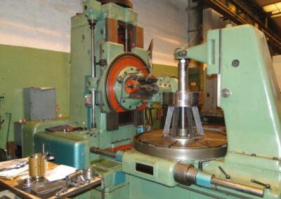 #05079 Generadora de engranes TOS FO16