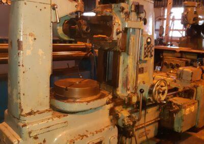 #05169 Generadora de engranes TOS FO6
